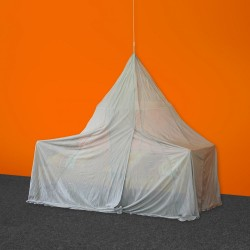 Single Pyramide Canopy Silver-Tulle