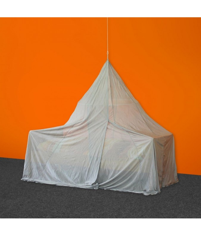 Single Pyramide Shielded Canopy from Silver-Tulle